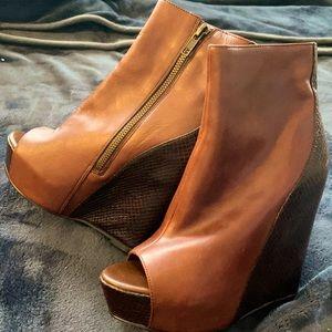 STEVE MADDEN sky high peep toe ankle bootie 💃🏻🤩